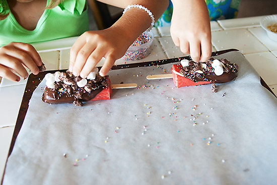 Chocolate and Candy Dipped Strawberry Pops  #shop