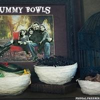 Mummy Bowls {Fun Craft for Halloween}
