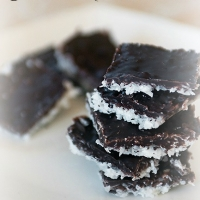 Easy Dessert Recipes: Welch's Sparkling Jell-O and 3 Ingredient Chocolate Coconut Macaroon Bars